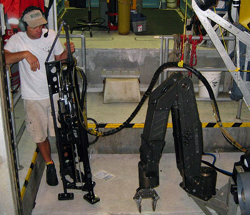 ROV pilot Mark Talkovic testing the Raman hose management to ensure that the manipulator can deploy the tripod without the hose getting entangled on ROV hardware.