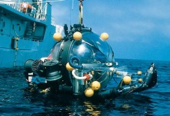 The Deep Rover submersible in Monterey Bay