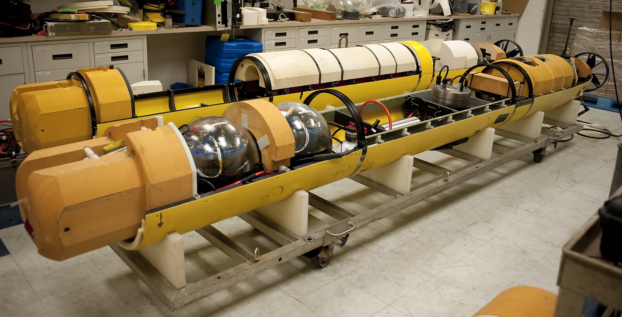 Imaging Autonomous Underwater Vehicle Mbari