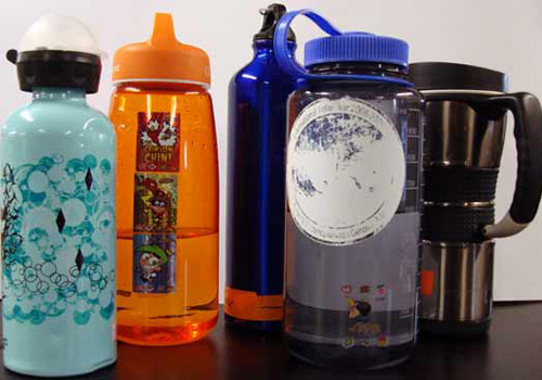 Most people carry bottles filled with water in order to stay hydrated in the dry, heated air. Photo by Amanda Kahn.