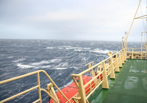 25-30 knot winds. Photo by Kim Reisenbichler.