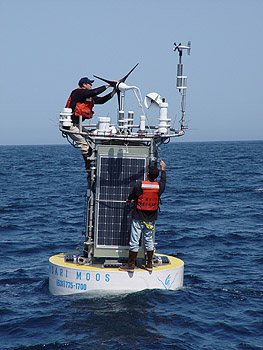 Second deployment of the MOOS test mooring in Monterey Bay (May 2004)