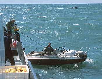 The recent rescue was not the first time the crew of the R/V Point Lobos had come to the aid of other vessels. In 2001, the crew gave a tow to a pair of fishermen whose motor had failed. Image: Todd Walsh (c) 2001 MBARI