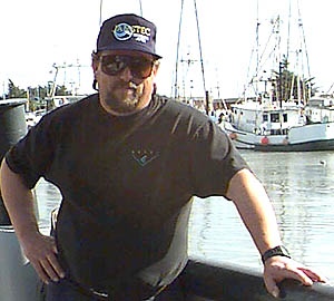 Greg Maudlin, First Mate on the the research vessel Point Lobos, was serving as Relief Captain on the day of the rescue. Image: Todd Walsh (c) 2006 MBARI