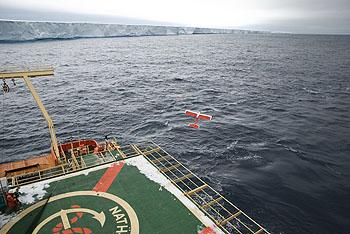 icebergs-uavtakeoff-350